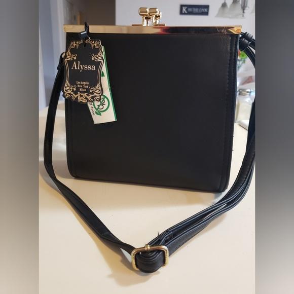 Alyssa Nicole Handbags - Alyssa Vegan Leather 2in1 shoulder bag/Crossbody